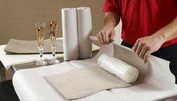 Taşınacak tüm eşyalarınızı havalı naylonlarla ve ev eşyası taşımak için özel üretilmiş malzemelerle ambalaj yaparak hasarsız ve sağlam bir şekilde taşıyoruz.
