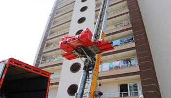 Yetenek nakliyat olarak İstanbul da evden eve nakliyat sektöründe uzun yıllardır hizmet veriyoruz. İşimizi bilerek, temiz, titiz ve modern bir şekilde yapmak için çaba gösteriyoruz.